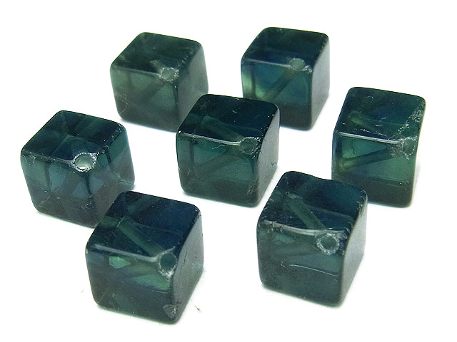 天然石【粒販売】グリーンフローライト キューブ 8mm[斜穴]【4粒販売 430円】ビーズとパワーストーン