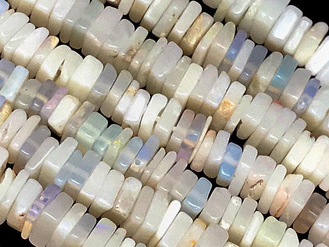 天然石【連販売】オーストラリア産 プレシャスオパール スクエアチップ 2〜4mm【1連 1,600円】ビーズとパワーストーン