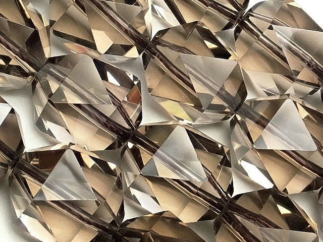 天然石【連販売】スモーキークォーツ トライアングル 20面カット 14mm【1連 4,800円】ビーズとパワーストーン