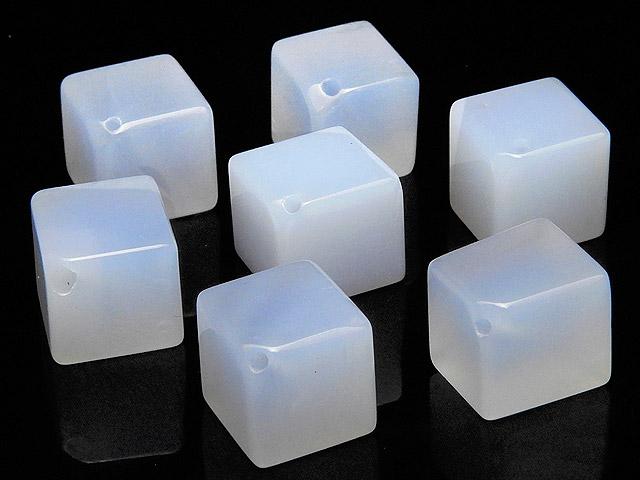 天然石【粒販売】ブルーカルセドニー キューブ 10mm[斜穴]【5粒販売 490円】ビーズとパワーストーン