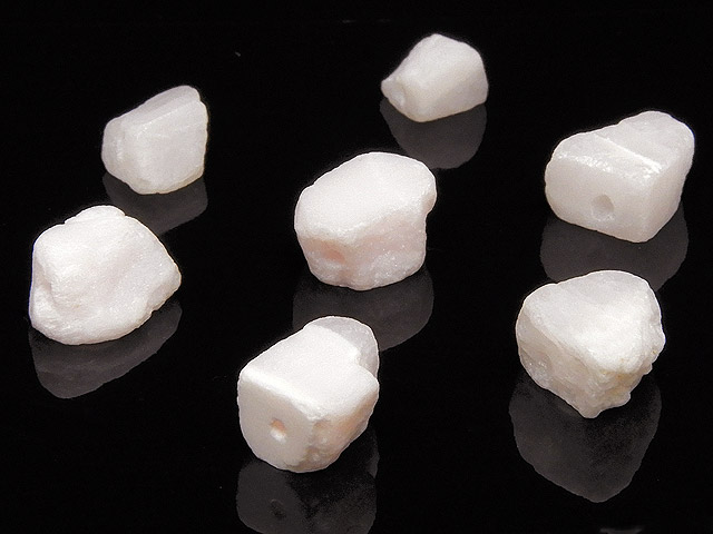 天然石【粒販売】ピンクカルサイト(マンガノカルサイト) ラフロック 5〜9mm【6粒販売 380円】ビーズとパワーストーン