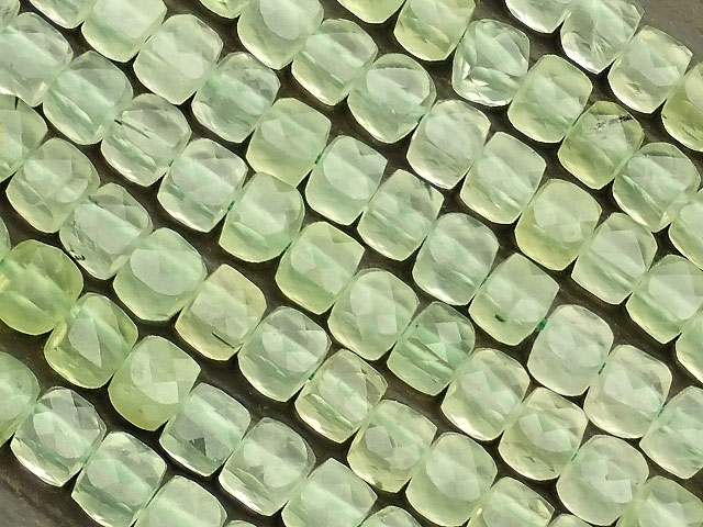 天然石【連販売】プレナイト キューブカット 3〜4mm[プレミアムカット]【1連 1,800円】ビーズとパワーストーン