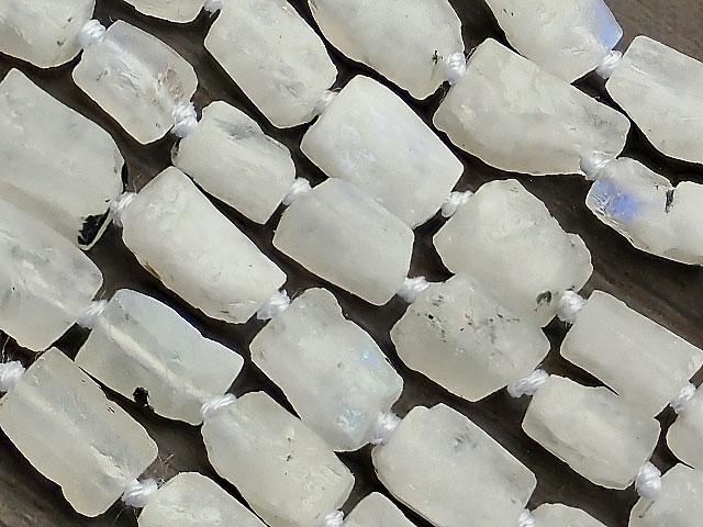 天然石やビーズとパワーストーンの通販サイト【連販売】レインボームーンストーン ラフロック 7〜13mm【1連 1,600円】