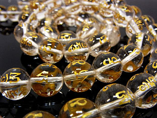 ビーズ天然石【連販売】六字真言 金色彫刻 クリスタル 丸玉 12mm【半連 1,100円〜】とパワーストーン