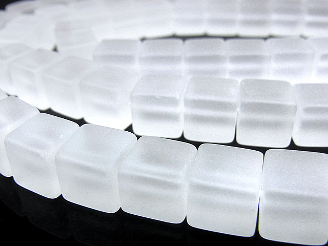 天然石ビーズ【連販売】フロストクォーツ キューブ 10mm【半連 1,100円〜】とパワーストーン